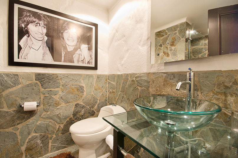 Alminar bathroom 2 in apartment for sale in Medellin