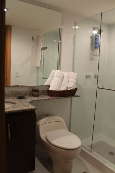 Apartment for rent in Medellin, Colombia, Bathroom