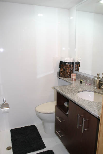 Medellin Apartment for Rent, Bathroom