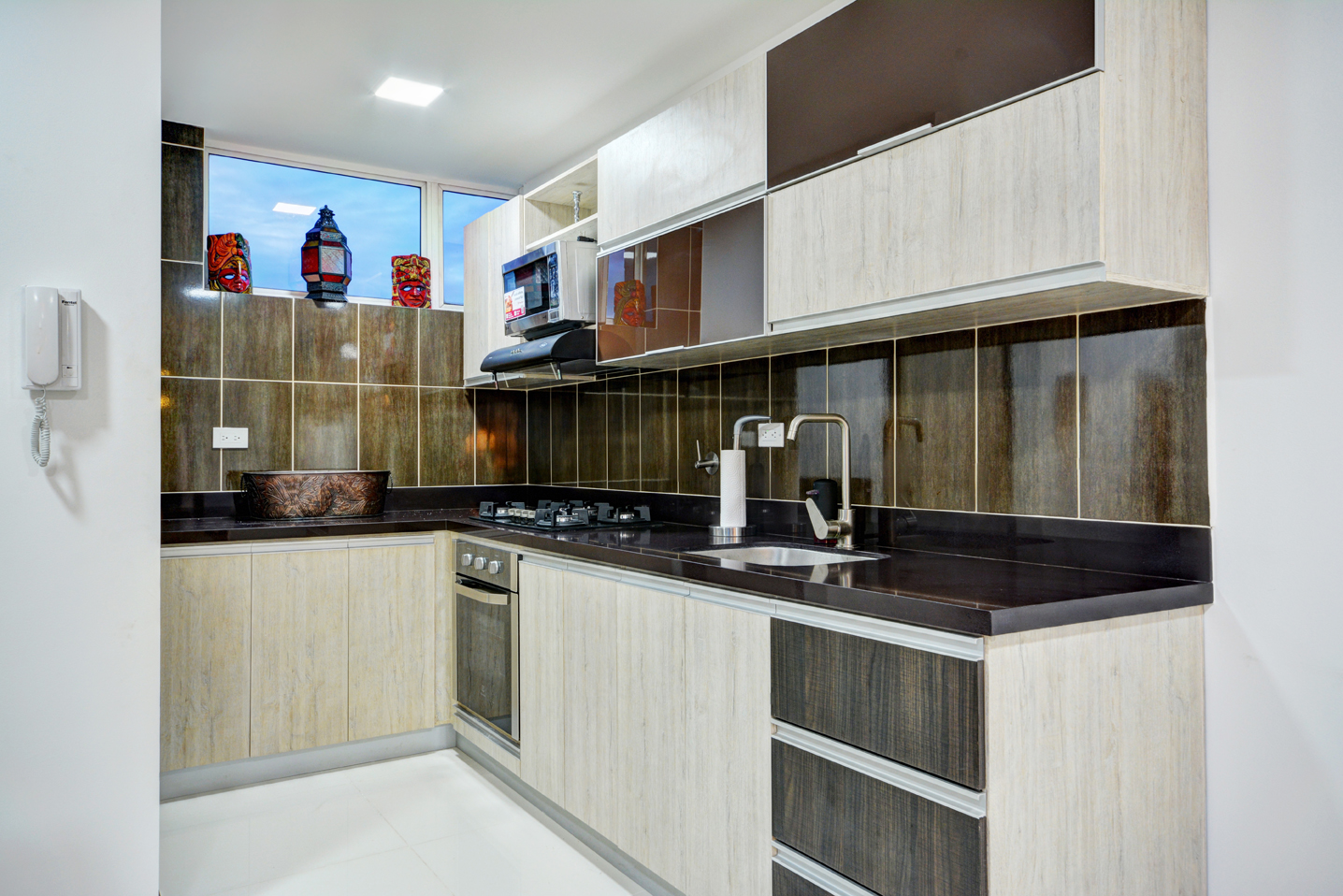 Clean, contemporary gourmet kitchen in Medellin apartment for rent