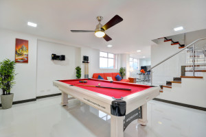 Pool Table in Astorga duplex for rent in Medellin