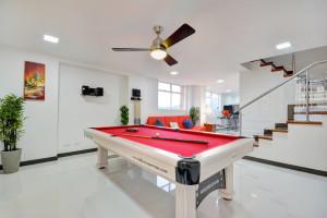 Pool Table in Astorga duplex for rent in Medellin